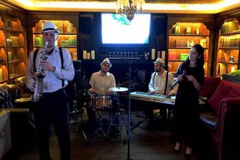 "Live Jazz в ресторане ""Sauvage"" (17 ноября)"