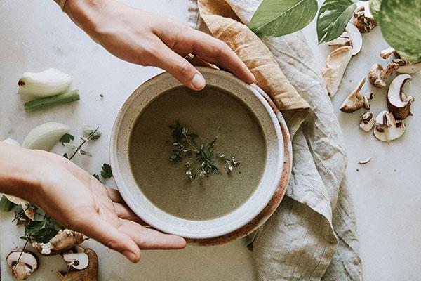 Зігріваємось першими: супи в ресторанах Києва