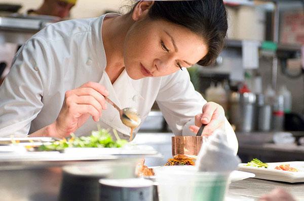 Жінки та їжа - спецпроект від RestOn